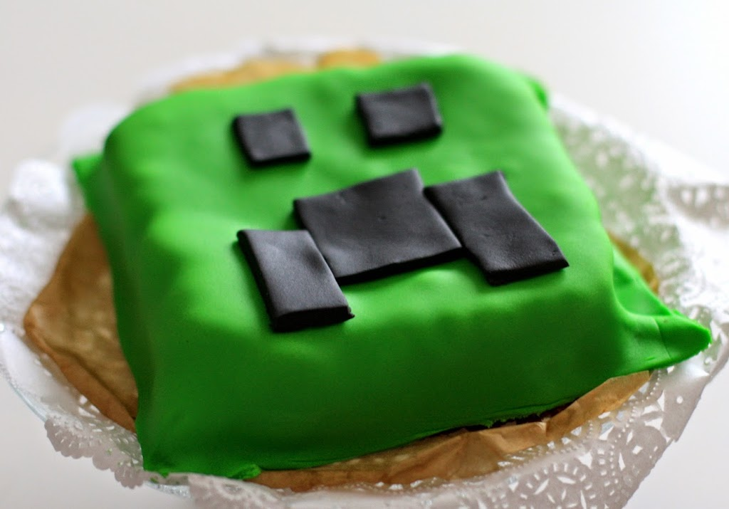 Minecraft Creeper Cake Lady Chaos